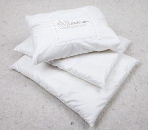 Lana 3 pillows, embollage